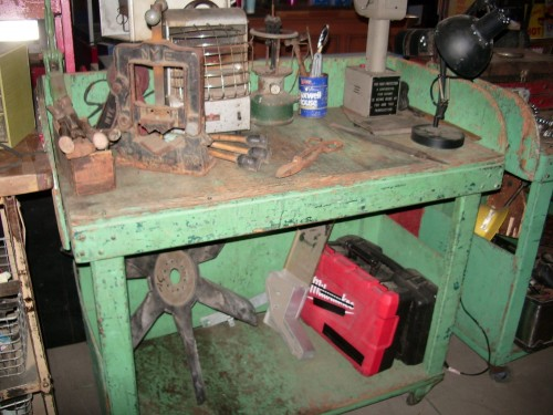 Rolling Green Work Bench