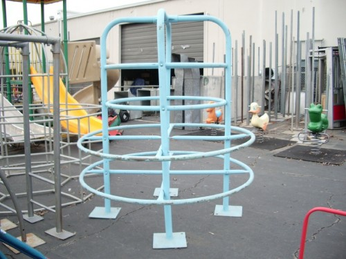 Playground - Small Galvanized Jungle Gym (Thick Pipe)