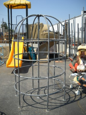 Playground - Small Galvanized Jungle Gym (Thin Pipe)